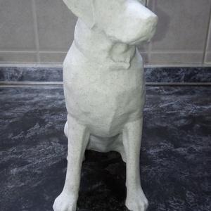 Labrador kutya szobor, Otthon & Lakás, Dekoráció, Dísztárgy, Mindenmás, A szobor 3d nyomtatással készült.\nSzíne: márvány hatású.\nMérete 17 cm magas, 8 cm széles, 15 cm hoss..., Meska