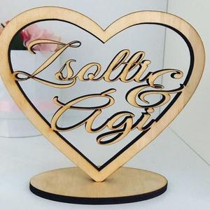 Szívbe foglalt nevek, Esküvő, Helyszíni dekor, Dekoráció, Ha valami különleges, egyedi ajándékkal szeretnéd meglepni a Szerelmedet, ez a fából készült szív, a..., Meska
