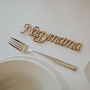 Esküvői ültető névtáblák, Esküvő, Esküvői dekoráció, Meghívó, ültetőkártya, köszönőajándék, Famegmunkálás, Gravírozás, pirográfia, Fából kivágott névtáblák. Egyedi és elegáns ötlet esküvői ültetési rendhez. A névtáblák szélessége ..., Meska