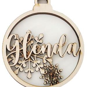 Karácsonyfadísz - Gömb - háttérrel és egyedi névvel, Otthon & Lakás, Karácsony & Mikulás, Karácsonyfadísz, Gravírozás, pirográfia, Famegmunkálás, Ha idén igazán különlegessé tennéd karácsonyfádat, ha szívesen látnád viszont szeretteid nevét fenyő..., Meska