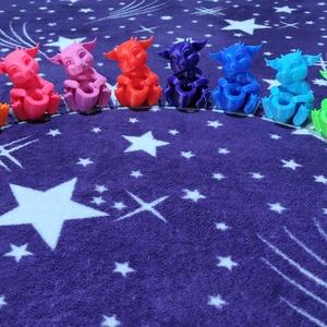 Bébi Sárkány filctoll tartó / dísz - 12 féle színben!, Játék & Gyerek, Plüssállat & Játékfigura, Más figura, Mindenmás, Meska