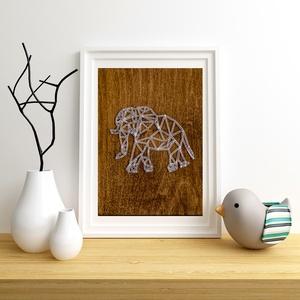 Elefánt string art, geometriai elefánt, állat string art, Otthon & lakás, Lakberendezés, Dekoráció, Gyerek & játék, Mindenmás, Szövés, 10mm-es nyír rétegelt lemezre, string art technikával készítettem a faliképet. A lemezt dió fafesték..., Meska
