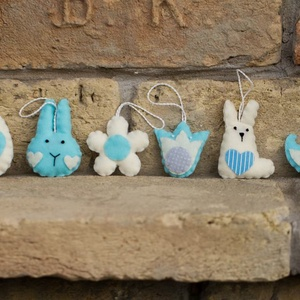 Húsvéti díszek 2., Húsvéti díszek, Ünnepi dekoráció, Dekoráció, Otthon & lakás, Varrás, Filcből készült húsvéti figurák.\n\nNyuszifej: 7,5 cm\nÜlő nyuszi: 7,5 cm\nTulipán: 5,5 cm\nMadárka: 6,5 ..., Meska
