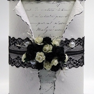 Díszdoboz - Az érzéki, Dekoráció, Otthon & lakás, Esküvő, Lakberendezés, Tárolóeszköz, Papírművészet, Újrahasznosított alapanyagból készült termékek, Összesen 25 db apró, fekete és fehér színű, eperfából készült papírrózsa díszíti ezt a dobozt. Minde..., Meska
