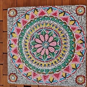 Mandala gyöngy kép, Otthon & lakás, Dekoráció, Dísz, Kép, Festett tárgyak, Saját készítésű, egyedi 21 cm-es  üveglapra készített egyik oldalon gyöngyökből kirakott virágmintás..., Meska