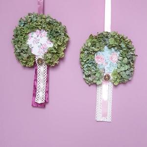 Hortenzia mini koszorú, Otthon & Lakás, Dekoráció, Ajtódísz & Kopogtató, Virágkötés, Kis méretű hortenzia koszorú vintage stílusban, többféle színben.  A koszorú belső része decoupage t..., Meska