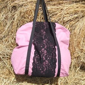 rózsaszín fekete csipkével egyterű nagy váll táska, Táska & Tok, Kézitáska & válltáska, Nagy pakolós táska, Varrás, Egyterű erős de könnyű táska sokat lehet bele pakolni\n 10 kg -ig terhelhető\nbélelt cipzárral zárható..., Meska
