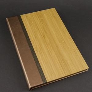 Gravírozható bambusz ALBUM fekete lapokkal, 16x24cm-es, Otthon & Lakás, Papír írószer, Album & Fotóalbum, Könyvkötés, 16x24cm-es album/emlékkönyv, 8 oldalas fekete, vastag karton belsővel, gravírozott borítóval.\n\nA bam..., Meska