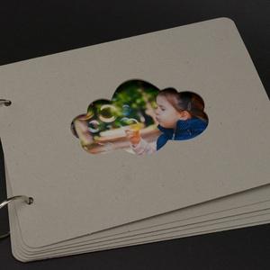 Scrapbook album, fotóalbum alap, Díszíthető tárgyak, Decoupage, szalvétatechnika, Papírművészet, Grafika, fotó, 6 lapos A5-ös ALBUM alap felhőt mintázó ablakkal\n\nAz album 6 db fekvő A5-ös, 1,5 mm vastag, lekerekí..., Meska