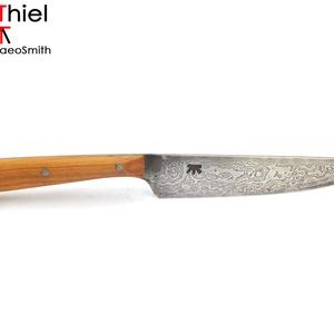 Famarkolatos markolatlapos kés rózsadamaszk pengével, [Kf_03d], Otthon & lakás, Férfiaknak, Képzőművészet, [Kf_03d] === Famarkolatos markolatlapos kés rózsadamaszk pengével ===  Készítette: AdiThiel - a Buca..., Meska