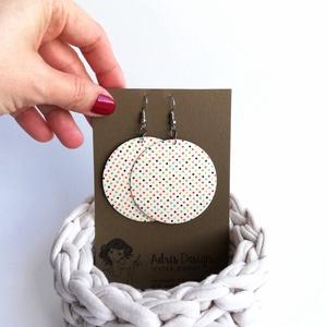 Tűpettyes fülbevaló választható színvariációban - Maxi textilfülbevaló, Ékszer, Lógós kerek fülbevaló, Fülbevaló, Vajszínű alapon pöttyös textilből készült ez a fülbevaló. Pillekönnyű viselet, szinte alig érzed, ho..., Meska