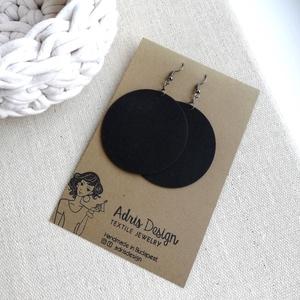 Fekete egyszínű MAXI textilfülbevaló - Tél színei, Ékszer, Fülbevaló, Lógós kerek fülbevaló, Egyszínű fekete minőségi patchwork anyagból készítettem Neked ezt a fülbevalót.  Ezüst színű, nikkel..., Meska