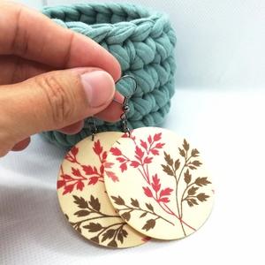 Ágas-bogas Maxi textilfülbevaló, Ékszer, Lógós kerek fülbevaló, Fülbevaló, Vajszínű alapon növényi mintás textilből készült ez a fülbevaló. Pillekönnyű viselet, szinte alig ér..., Meska