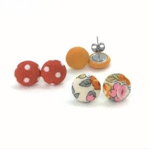 Micro textil fülbevaló csomag meleg színekben - 3 pár , Ékszer, Pötty fülbevaló, Fülbevaló, Hármas fülbevaló csomag pici, 1 centiméteres méretben viilágos alapon rózsás, egyszínű okker és terr..., Meska