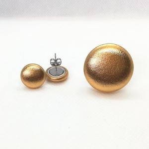 Arany ékszerszett MINI textil fülbevaló + gyűrű  , Ékszer, Ékszerszett, Arany színű, fényes, elegáns elasztikus anyaggal bevont gombokból készítettem ezt az ékszerszettet. ..., Meska