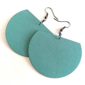 Balatonkék Félhold textilékszer, Ékszer, Fülbevaló, Lógó fülbevaló, Szürkés-kékes-zöldes Balatonkék egyszínű textilből készítettem ezt a fülbevalót. Pillekönnyű viselet..., Meska