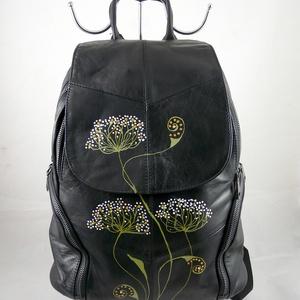 Jól pakolható valódi bőr háti táska, kézzel festett, egyedi motívummal!, Táska & Tok, Hátizsák, Jól pakolható, praktikus, biztonságos! Kiváló minőségű, puha tapintású bőrből készült háti táska.Az..., Meska