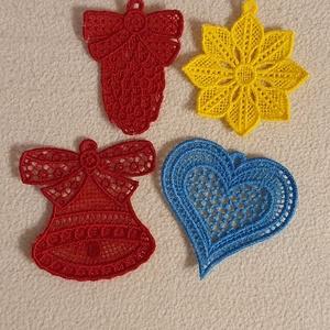 Karácsonyfa dísz, Karácsony & Mikulás, Karácsonyi dekoráció, A karácsonyfadíszek gépi hímzéssel készültek. Méretük mintától eltérő. :)  Az áruk egy gartirúrára v..., Meska