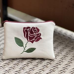Rózsa, Táska & Tok, Neszesszer, Hímzés, Varrás, Fehér textilbőrből készült neszesszer.\n\nA hímzés gépi hímzés.A neszesszer táskamerevítővel van merev..., Meska