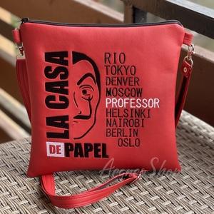 Piros táska Money Heist, Táska & Tok, Variálható táska, Akár séta, buli vagy város nézés, ez a kis táska bárhova használható:). Pénztárca, zsebkendő, telefo..., Meska