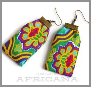 Afrikai stílusú, színes virágos textil női fülbevaló, Ékszer, Fülbevaló, Varrás, Ékszerkészítés, Nagy rajongója vagyok az afrikai stílusú textíliáknak , pompázatos színük, jellegzetes  mintájuk sem..., Meska