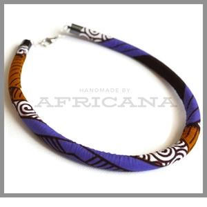 Afrikai stílusú lila barna  mintás kötélékszer, nyaklánc, autentikus afrikai textiliából, , Ékszer, Nyaklánc, Ékszerkészítés, Varrás, Autentikus afrikai pamut textiliával vontam be 0,8 cm vastag szintetikus kötelet. Az anyag mintája, ..., Meska