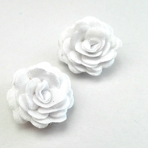 Fehér virágos cipőklipsz (Aggies) - Meska.hu