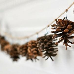 Karácsonyi toboz girland/ füzér, Karácsonyi, adventi apróságok, Karácsonyfadísz, Karácsonyi dekoráció, Mindenmás, AKCIÓ!!! MINDEN 5000 FELETTI VÁSÁRLÁST KÖVETŐEN ( VÁLASSZ AZ AJÁNDÉK POLCRÓL ÉS TEDD A KOSÁRBA) AJÁ..., Meska
