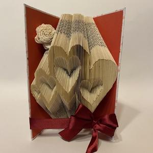 4 Szív, Művészet, Más művészeti ág, Egyedi, hajtással készült könyvszobor, négy egybefonódott szív mintával.  Ideális és időtálló ajándé..., Meska