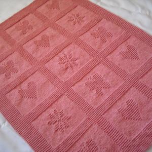 Fáradt rózsa-babatakaró, Otthon & Lakás, Lakástextil, Takaró, 86x64cm a mérete ennek a kedves takarónak,amely 70%akril és 30% gyapjú tartalmú fonalból készült.Se ..., Meska