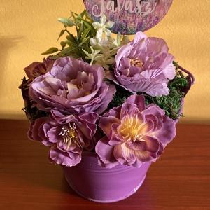 Hello tavasz asztaldísz - lilában, Otthon & Lakás, Dekoráció, Asztaldísz, Virágkötés, Lila fémvödörbe lilás tónusú selyemvirág kompozíciót készítettem . Ihlet: Szinyei Merse Pál lilái.\nM..., Meska
