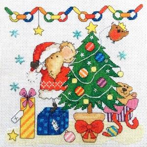 Egér karácsony, Karácsonyi dekoráció, Karácsony & Mikulás, Hímzés, Keresztszemes képecske, mérete 18x18 cm, karácsonyra kedves ajándék lehet minden kisgyermeknek :-)..., Meska