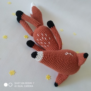 Rudolf, a róka, Róka, Plüssállat & Játékfigura, Játék & Gyerek, Horgolás, Amigurumi technikával készült kedves, alvós, vörös bundás róka. Szeme, szája hímezve van. A lábai tö..., Meska