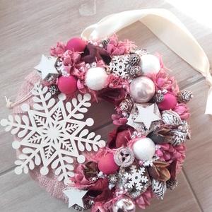 HAVAS HÓPIHE karácsonyi- adventi ünnepi kopogtató, ajtódísz, Otthon & Lakás, Karácsony & Mikulás, Karácsonyi dekoráció, Virágkötés, Mindenmás, A glamour asztaldíszekre jellemző a pompa és fényűzés. A meglepetésekhez illik a lila, mályva, ezüst..., Meska