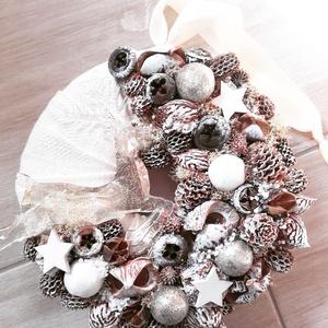 UGRÓ SZARVAS arany-barna-ünnepi-karácsonyi kopogtató, ajtódísz, Otthon & lakás, Dekoráció, Ünnepi dekoráció, Karácsony, Karácsonyi dekoráció, Mindenmás, Virágkötés, \nA skandináv design kedvelőinek, akik szeretik a fehér, a szürke, a barna és a piros színeket, a kis..., Meska