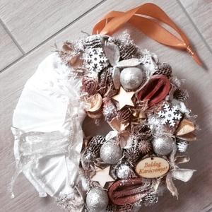 UGRÓ SZARVAS arany-barna-ünnepi-karácsonyi kopogtató, ajtódísz, Otthon & lakás, Dekoráció, Ünnepi dekoráció, Karácsonyi, adventi apróságok, Karácsonyi dekoráció, Mindenmás, Virágkötés, \nA skandináv design kedvelőinek, akik szeretik a fehér, a szürke, a barna és a piros színeket, a kis..., Meska