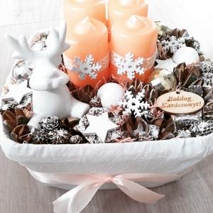 SZARVAS A HÓLEPTE ERDŐBEN barack-fehér adventi karácsonyi asztaldísz KÉSZTERMÉK, Otthon & lakás, Dekoráció, Ünnepi dekoráció, Karácsonyi, adventi apróságok, Karácsonyi dekoráció, Virágkötés, Mindenmás, Az igazi tél hófehér. A white koszorúk azoknak készülnek, akik szeretik a hóval borított táj hangula..., Meska