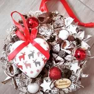 ÜNNEPI SZÍV  -piros-fehér Kopogtató, ajtódísz, RENDELHETŐ, Otthon & lakás, Dekoráció, Ünnepi dekoráció, Karácsony, Karácsonyi dekoráció, Mindenmás, Virágkötés, A skandináv design kedvelőinek, akik szeretik a fehér, a szürke, a barna és a piros színeket, a kis ..., Meska