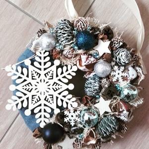 HAVAZÁS téli- ünnepi-karácsonyi kopogtató, ajtódísz, Otthon & lakás, Dekoráció, Ünnepi dekoráció, Karácsony, Karácsonyi dekoráció, Mindenmás, Virágkötés, \nA skandináv design kedvelőinek, akik szeretik a fehér, a szürke, a barna és a piros színeket, a kis..., Meska