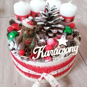MACKÓS  karácsonyi-tarka -ünnepi box, koszorú, Otthon & lakás, Dekoráció, Ünnepi dekoráció, Karácsony, Karácsonyi dekoráció, Mindenmás, Virágkötés, A skandináv design kedvelőinek, akik szeretik a fehér, a szürke, a barna és a piros színeket, a kis ..., Meska