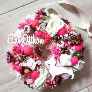 NÉGYLÁBÚ BARÁTUNK kutyás-színes-virágos kopogtató, ajtódísz RENDELHETŐ, Ajtódísz & Kopogtató, Dekoráció, Otthon & Lakás, Mindenmás, Virágkötés, Egyedi lakásdekoráció\nA szalma alapot gazdagon díszítettem apró művirágokkal, termésekkel ming virág..., Meska