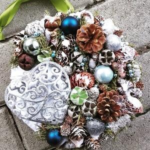 HAVAS SZÍV ünnepi-karácsonyi termés kopogtató, ajtódísz KÉSZTERMÉK, Otthon & Lakás, Karácsony & Mikulás, Adventi koszorú, Virágkötés, Mindenmás, Az igazi tél hófehér. A white koszorúk azoknak készülnek, akik szeretik a hóval borított táj hangula..., Meska