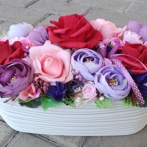 Tavaszi-virágos-színes asztaldísz, dísz, dekoráció NÉVNAPRA ÉS SZÜLINAPRA, Otthon & Lakás, Dekoráció, Asztaldísz, Virágkötés, Tavaszi asztaldísz.\nDíszítheti lakásodat, de adhatod ajándékba is, anyák napjára, szülinapra vagy há..., Meska