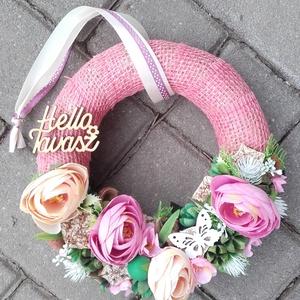 HELLO TAVASZ tavaszi vidám- virágos tavaszi kopogtató, ajtódísz, falidísz, Otthon & Lakás, Dekoráció, Ajtódísz & Kopogtató, Mindenmás, Virágkötés, Meska