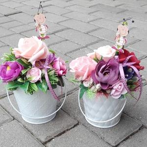 Virágos tavaszi-habrózsás asztaldísz, dísz, ANYÁK NAPJA, SZÜLINAP, NÈVNAP, Otthon & Lakás, Dekoráció, Asztaldísz, Virágkötés, Tavaszi asztaldìsz, dekoráció, dísz.\nBármilyen alkalomra tökèletes választás.\nMérete: 22x15cm\n\n..., Meska