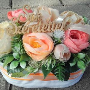 SOK SZERETETTEL virágdoboz, virágbox, virágos asztaldísz ANYÁK NAPJÁRA, SZÜLINAPRA, N�VNAPRA, Otthon & Lakás, Dekoráció, Asztaldísz, Virágkötés, Meska