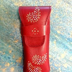 Bőr tolltartó kézzel festve, Táska & Tok, Kézitáska & válltáska, Belső rendező, Festészet, Egy tolltartó mindig praktikus, elegáns ajándék. Ez a darab valódi bőrből készült és diszkrét, de mu..., Meska