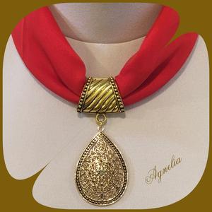 Ékszerkendő - piros, aranyszínű, csepp alakú medál/ rövid - Meska.hu