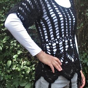 ünnepi-fekete-hálós női felső, Ruha & Divat, Póló, felső, Női ruha, Egyedi, saját készítésű 36-38-as fekete, horgolt ünnepi felső. Hossza 64 cm.  Ezt a fekete horgolt f..., Meska