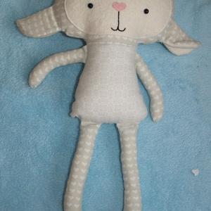 Textil bárány figura, Játék & Gyerek, Más figura, Plüssállat & Játékfigura, Mint egy ma született bárányka, olyan kis kedves, bájos ez a törtfehér színű anyagokból készített ba..., Meska